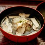 日本料理 晴山 - 松茸椀