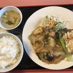 豊味園 - 料理写真:日替わりランチ