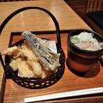 93969536 - [料理] 天ぷら 盛り合わせ & そば猪口・薬味 全景♪w