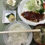 食堂 筑波 - ポークソテー定食(950円)