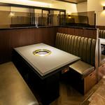 焼肉チャンピオン - テーブル席