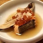 93982086 - 鮭親子焼き蒸し、松茸あん蒸貝
