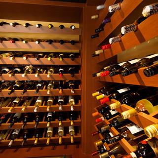 ワインセラー完備!世界のワインを気軽にリーズナブルに♪