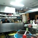 新福菜館 - 内観写真:厨房