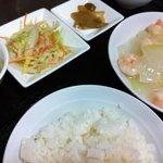 北京老飯店 - 日替わりランチ(エビと冬瓜の塩味煮込み)