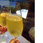 レストラン プティルッソ - スパークリングワインで乾杯♡