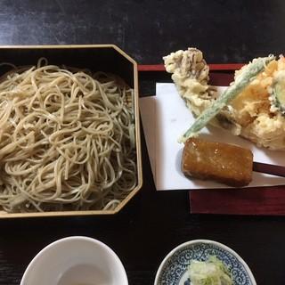 蕎麦彩膳 隆仙坊 - 料理写真:天かき揚げせいろです。