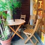ブーランジュリ シマ - 外のテーブル席