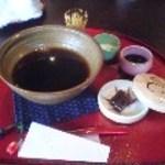紅うさぎ - コーヒー(茶せんで香りをたてます)