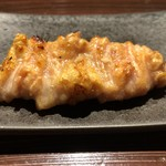 YAKITORI燃WEST - じっくりと大事に丁寧にナント20分掛けて焼き上げた胸皮