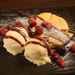 焼肉酒房 元 - ホットクのバニラアイス添え(韓流ホットケーキ)