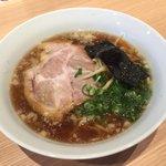 やまぞえ製麺所 - しょうゆラーメン700円