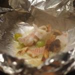 鉄板ステーキ 淀屋 - 旬の魚介の創作鉄板。 甘鯛と松茸のホイル焼き~銀あんソースで~