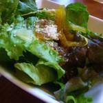 宮崎料理 万作 - 地鶏そぼろ梅サラダ