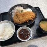 草津パーキングエリア(下り線)スナックコーナー - 手仕込みとんかつ定食 690円