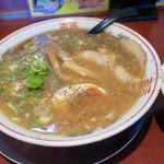 バリバリジョニー - スープもたっぷり  太麺です