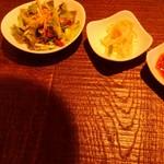 KollaBo - レタスサラダとナムル