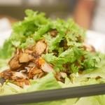 Tonko - 鶏肉とパクチー