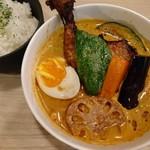 スープカレー Maharaja - ほろパリ鶏(1069円)