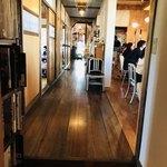 珈琲と人 - 廊下