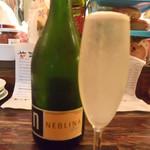 ビストロ横丁 - スパークリングワイン白(ネブリナ)