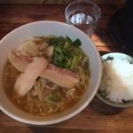 麺や 一途 氣絆 - 料理写真:醤油麺 輔