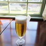 サロンドカフェアンジュ  - てなワケで、優雅なる空間で箱庭を眺めながら「生ビール」