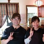 フォーコムフォー - ベトナム人の妻、日本人の夫二人でやっています。