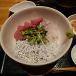 魚感うえさき - 海鮮丼