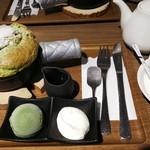 cafe KOMON 湖紋 - 畔屋特製パンケーキ(ドリンクセット) ¥1,100(+¥300)