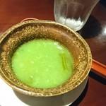 カルカッタ - 画像そのままエメラルドグリーンのスープ。SNS映え…!?