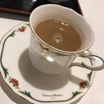 太陽の恵み - サービスのコーヒー。       写真撮る前に コーヒーフレッシュ入れてしまいました。