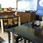 番丁ラーメン - テーブル席のみ