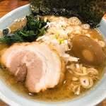 94053505 - 豚骨ラーメン+煮卵                       スープがかなりコッテリ!!