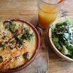 ALOHA TABLE - 海老とアボカドのクリームドリア