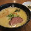 ひるがお - 料理写真:とろり白湯塩らーめん780円、ランチサービスのとろろご飯付き。