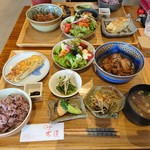 cafe 木蓮 - ボリューム、栄養ともに◎な定食