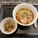 94071062 - 鶏そば+ミニ豚丼セット