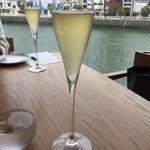 L'eau Blanche - シャンパン