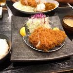 94073533 - ご飯の大盛は注文時にお願い。キャベツと味噌汁はおかわり自由です。