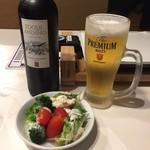 DAVIS BEEF STEAK - ステーキにはワインとビール!