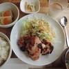 サイン カフェ ベリー ユー - 料理写真:鶏もも肉の塩麹定食