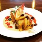 カフェ ド ラパン - 季節のフレンチトースト りんごのコンポート