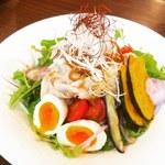 カフェ ド ラパン - 日替わり 豚しゃぶボウル850円