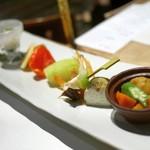 94080947 - 【前 菜】じゅん菜旨酢、ほうずきトマト、穴子寿司、梅八景、くちなし丸十、蓮根黄身射込み