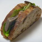 グランクール - 料理写真:田舎パンの三元豚パテサンド