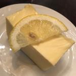 ローヤル珈琲店 - 鎌倉山のチーズケーキ@432円