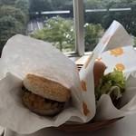 モスバーガー - 2018/10/6 ランチで利用。 海鮮かき揚げ(340円) テリヤキ(360円)