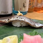 ぼちぼち - 炙り秋刀魚の握り