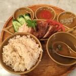 シンガポール海南鶏飯 - ハーフハーフ980円